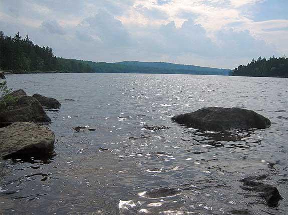 Holeb Pond