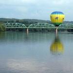 Balloon-over-the-Androscoggin-River